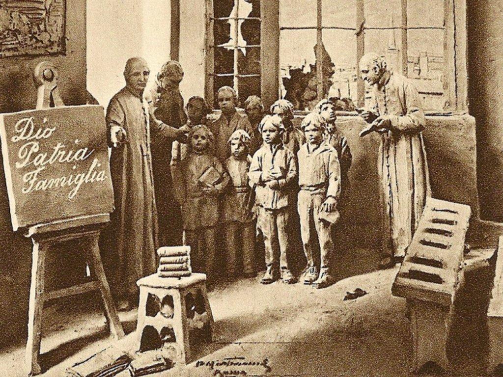 Il 2 Gennaio 1804, con la protezione della Madonna e affidandosi alla Provvidenza, daranno inizio alla prima Scuola di Carità.