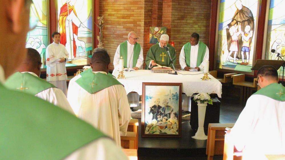 Ha presieduto la messa il P. Antônio Elcio Aleixo, brasiliano.